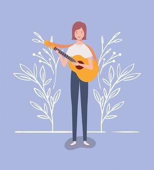 Frau, die akustikgitarrencharakter spielt