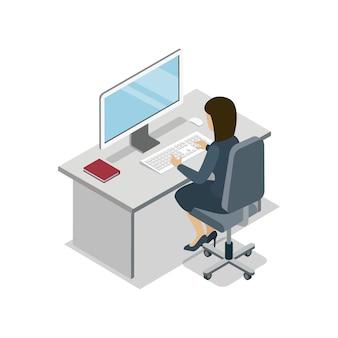 Frau, die an der isometrischen illustration des computers arbeitet