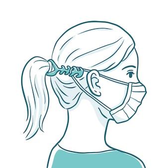 Frau, die einen verstellbaren gesichtsmaskenriemen trägt