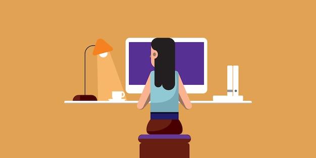 Frau, die ihren job am computer macht, arbeit von zu hause aus