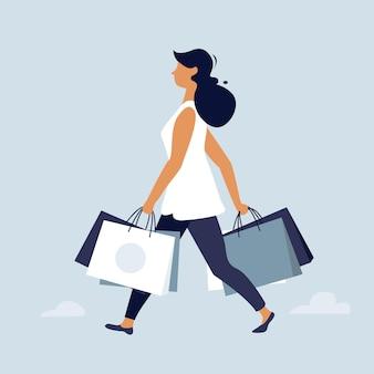 Frau, die mit einkaufstüten geht. großes verkaufsplakat, flaches charakterdesign, vektorillustration