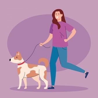 Frau, die mit hund an der leine geht, frau mit hundemaskottchen