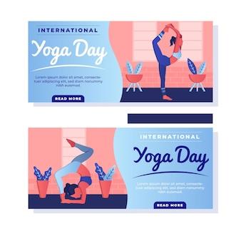 Frau, die yoga drinnen banner tut