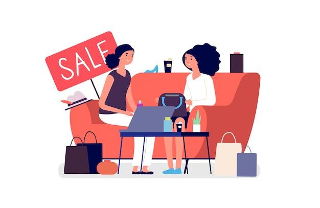 Frau einkaufen. mädchen besprechen einkäufe. verkauf, rabatt wohnung. zwei frauen auf dem sofa mit kaffee, kleidung, einkaufstaschen und laptop
