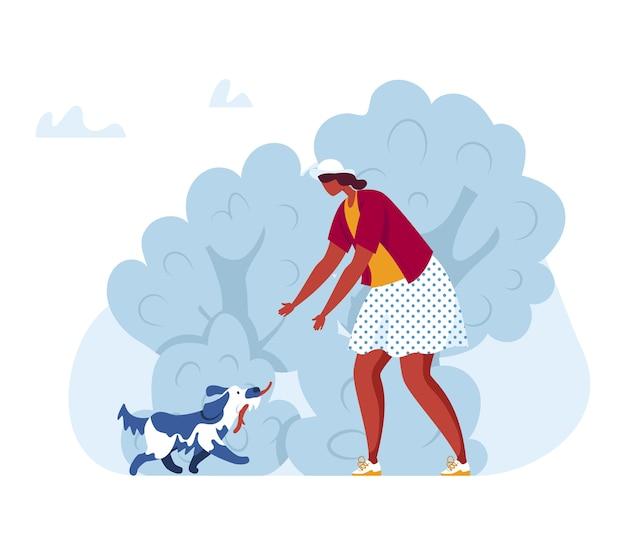 Frau gehen mit hund im park, illustration. personenmenschen, glückliches haustier an der natur, junge zeichentrickfigur zusammen im freien. weibliche person spielen mit welpen, spaß freundschaft lebensstil.