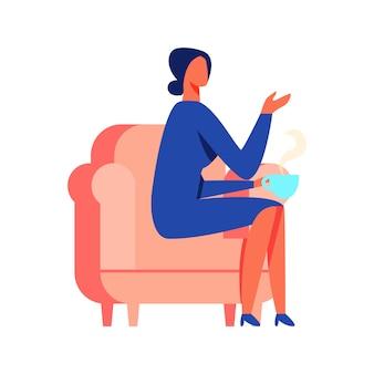 Frau im blauen kleidersitzen