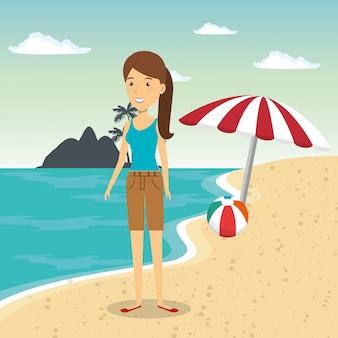 Frau im strandcharakter