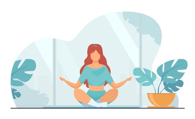 Frau in bequemer haltung für meditation