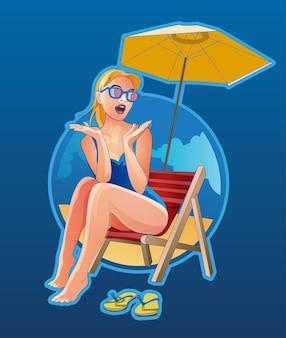 Frau liegt auf strandkorb am strand. weibliche blondine mit sonnenbrille emotional überrascht und posiert mit ruhe in der nähe des meeres. entspanntes mädchen im tropischen resort auf blauem hintergrund.