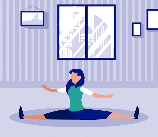 Frau macht zu hause übungen
