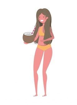 Frau mit badeanzug und kokosnusswasser in der hand