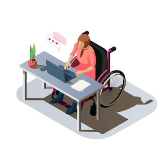 Frau mit behinderung am schreibtisch, der an einem computer arbeitet. ungültige frau mit einer verletzung im rollstuhl, die arbeit erledigt oder online kommuniziert. behinderter charakter am arbeitsplatz, isometrische darstellung.