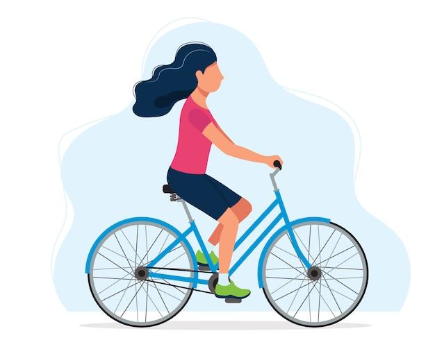 Frau mit einem fahrrad, konzept für gesunden lebensstil, sport, radfahren, tätigkeiten im freien
