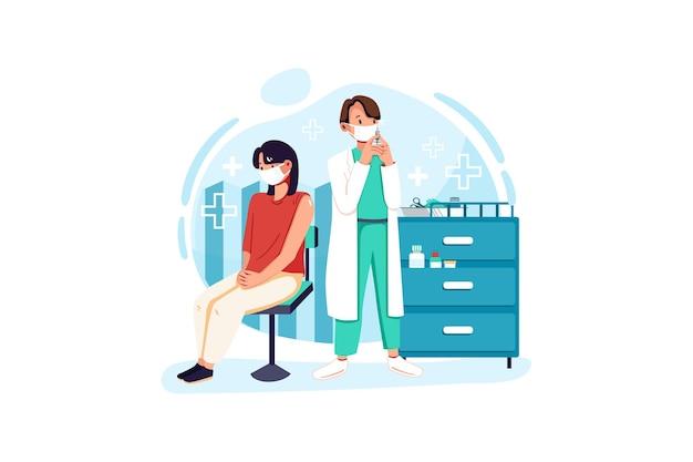 Frau mit gesichtsmaske wird geimpft