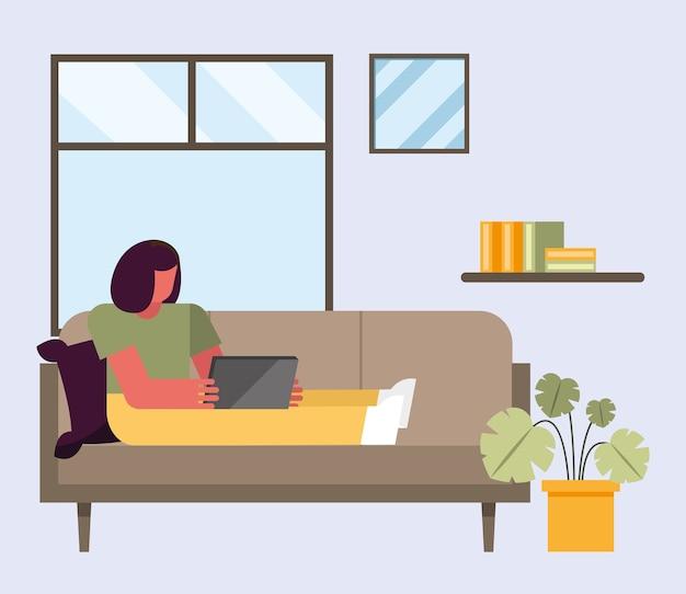 Frau mit laptop, der auf couch vom hauptentwurf des telearbeitsthemas vektorillustration arbeitet
