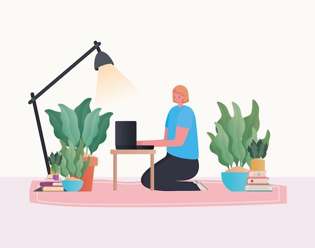 Frau mit laptop, der auf teppich mit lampendesign von arbeit vom hauptthema arbeitet