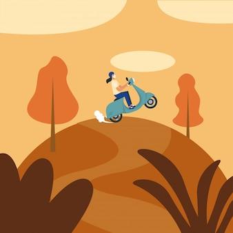 Frau mit medizinischer maske und motorrad am berg