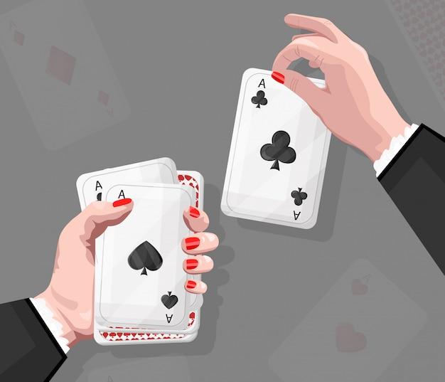 Frau mit spielkarten der roten nägel.