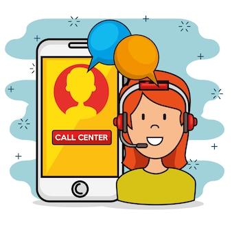 Frau mit sprechendem call-center-stützservice und smarphone des kopfhörers