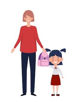 Frau mit tochter von zurück in die schule