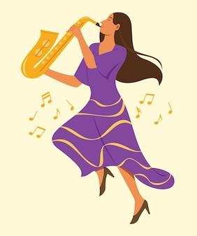 Frau spielt saxophon und springt hoch