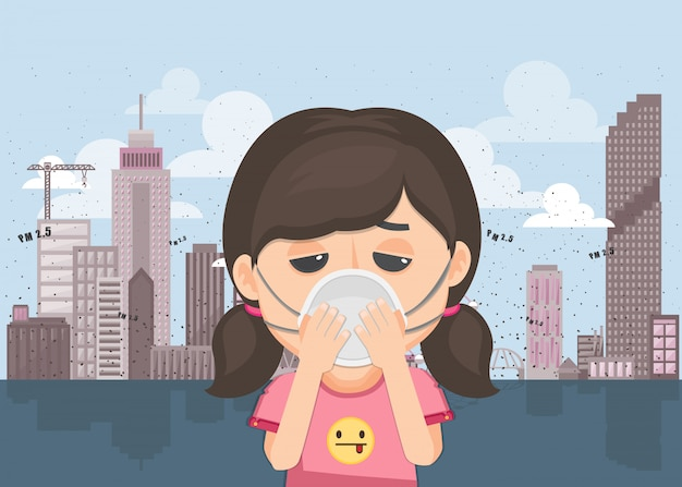 Frau trägt maske, um luftverschmutzung im freien zu schützen.