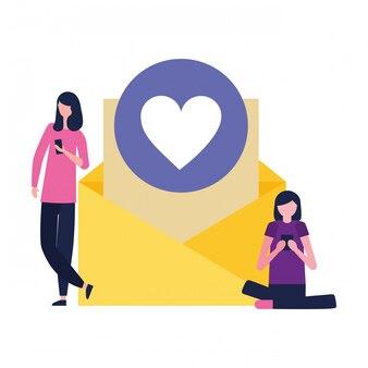 Frauen, die mobile e-mail-nachrichtenliebe verwenden