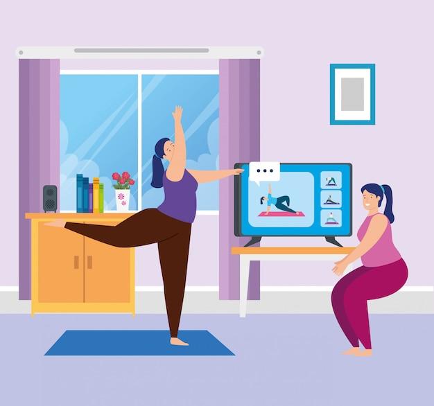 Frauen, die yoga online im wohnzimmer praktizieren