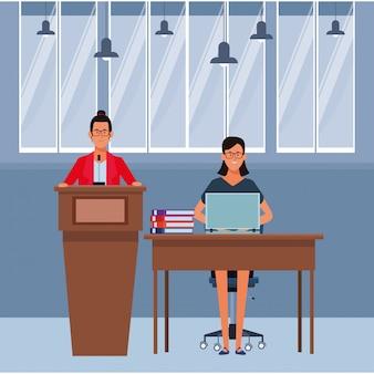 Frauen in einem podium und in einem schreibtisch