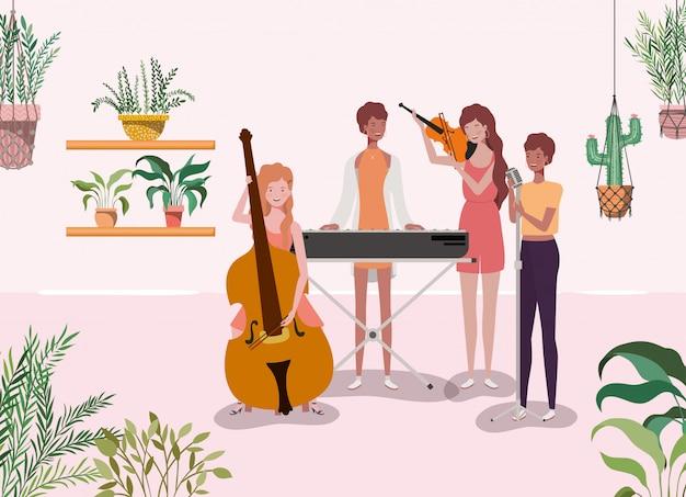 Frauengruppe, die instrumentcharaktere spielt