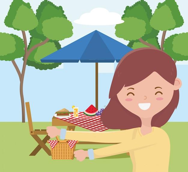 Frauenkarikatur, die picknickdesign, gesundes frühlingsmittagessen des lebensmittelparteisommers im freien und mahlzeitthema hat