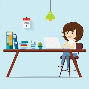 Freenlance frauen, die arbeit für kunden denken.