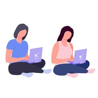 Freiberuflerin mit computermädchen, die mit einem laptop sitzt, entfernte arbeit von zu hause aus arbeiten