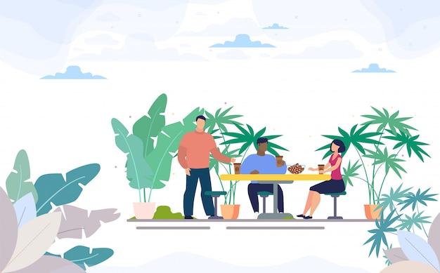 Freunde, die kaffee in der straßen-café-ebene trinken