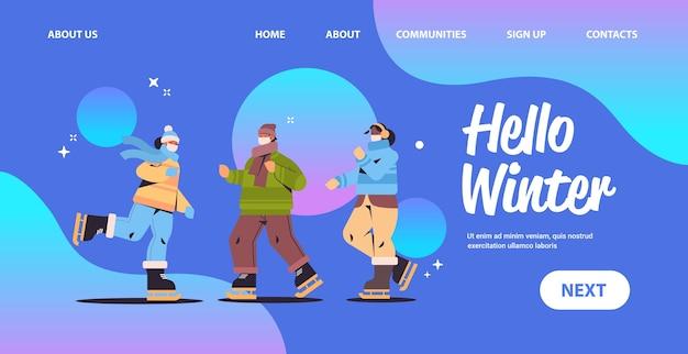 Freunde in der maske eislaufen auf eisbahn mix race menschen, die winter spaß im freien aktivitäten coronavirus quarantäne-konzept in voller länge horizontale kopie raum vektor-illustration