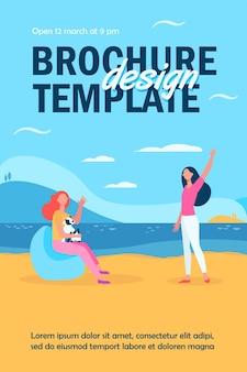 Freundinnen treffen sich im freien und winken hallo flyer vorlage