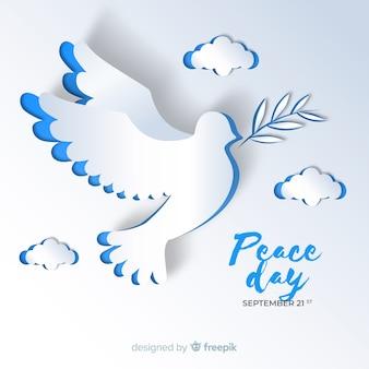 Friedenstaghintergrund mit taube