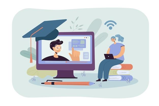 Fröhliche frau, die im internet studiert, webinar am computer sieht, online-kurs nimmt. karikaturillustration