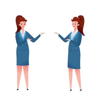 Fröhliche geschäftsfrauen im anzug, sekretärin stehend, die etwas präsentiert