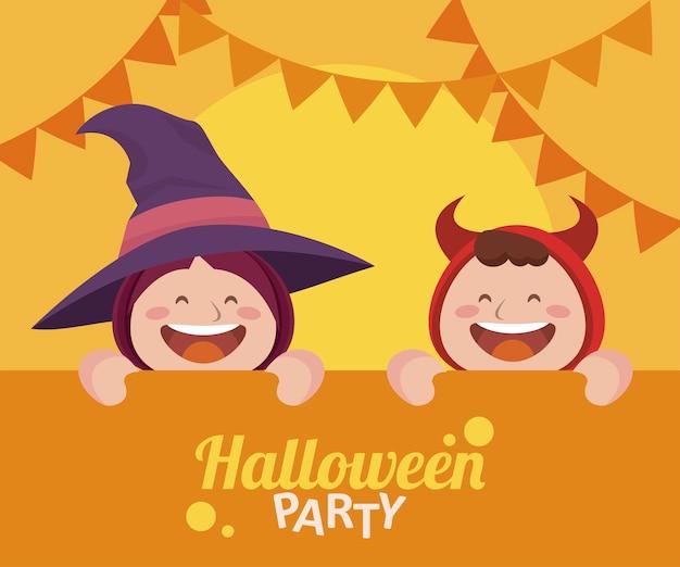 Fröhliche halloween-party mit kleinem teufel und hexe