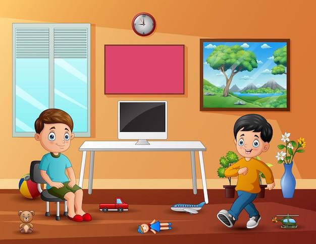 Fröhliche kleine jungs, die am selbst editierbaren texteffekt spielen