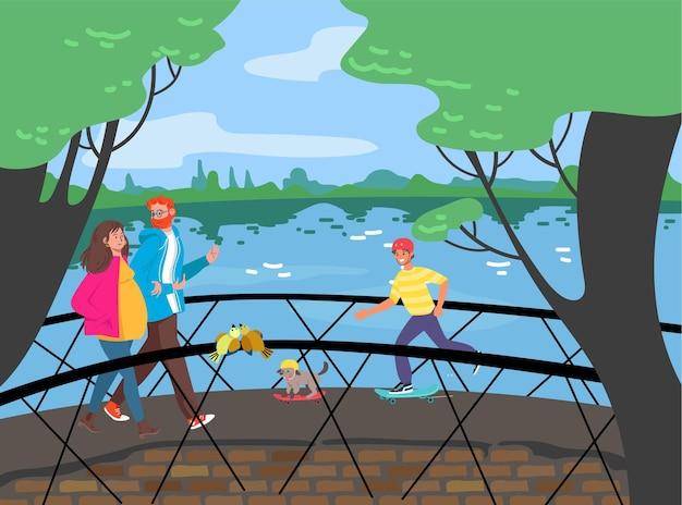 Fröhliche menschen gehen brücke über fluss, spazieren städtischen gartenpark