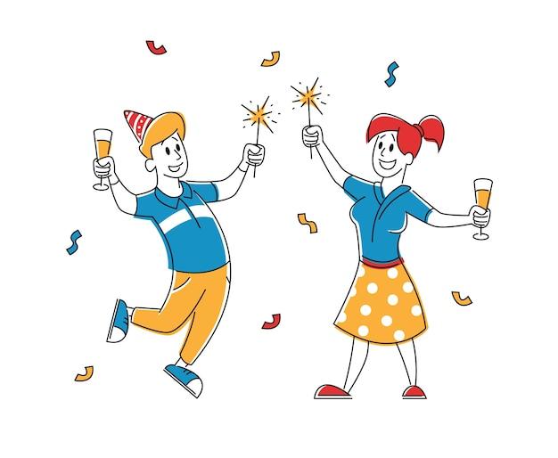 Fröhliche menschen in festlichen hüten mit weingläsern in den händen, die feiertag feiern