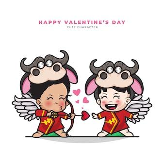 Fröhlichen valentinstag. nette zeichentrickfigur des paares chinesisches amorbaby, das ochsenkostüm trägt