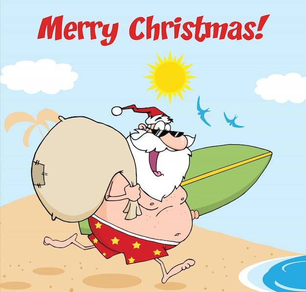 Frohe weihnachten gruß mit santa claus in shorts, laufen mit einem surfbrett und tasche