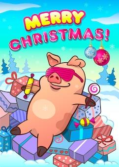 Frohe weihnachten. grußkarte. cooles schwein in rosa brille mit süßigkeiten, die auf einem haufen geschenke liegen