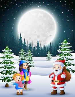 Frohe weihnachten mit einem weihnachtsmann im winter