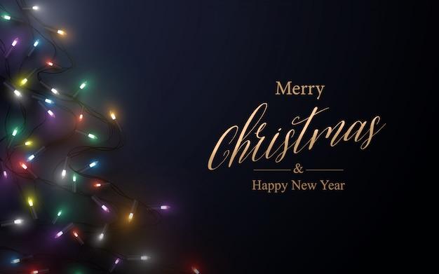 Frohe weihnachten postkarte. abstrakte weihnachtsfunkelnde lichtgirlanden-weihnachtsbaumform auf dunklem hintergrund