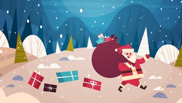 Frohe weihnachten und guten rutsch ins neue jahr-gruß-karte santa carry big present-sack im winter forest holidays concept banner