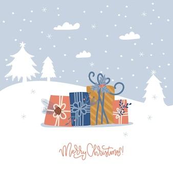 Frohe weihnachten urlaub grußkarte winterlandschaft banner mit stapel geschenkboxen tannen schnee pr...